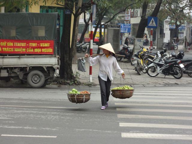 Típica vendedora de frutas