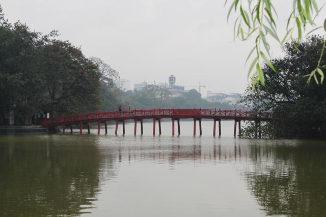 Ponte para o templo Ngoc Son
